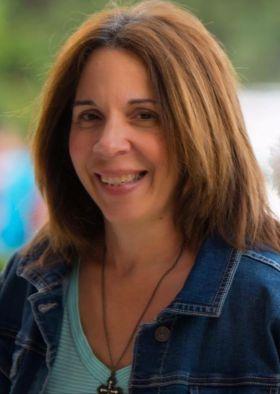 Deborah Amador, Sales Agent