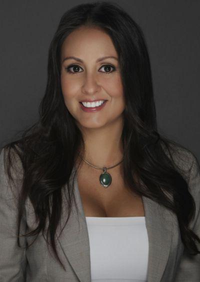 Elise Santana, Sales Agent
