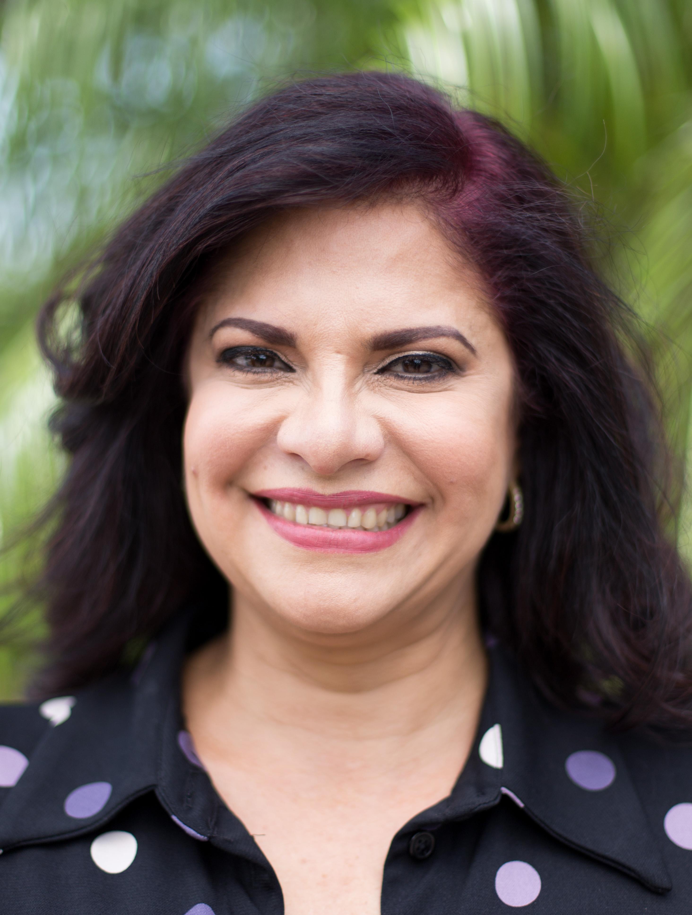 Maria Cecilia Oduber, Sales Agent