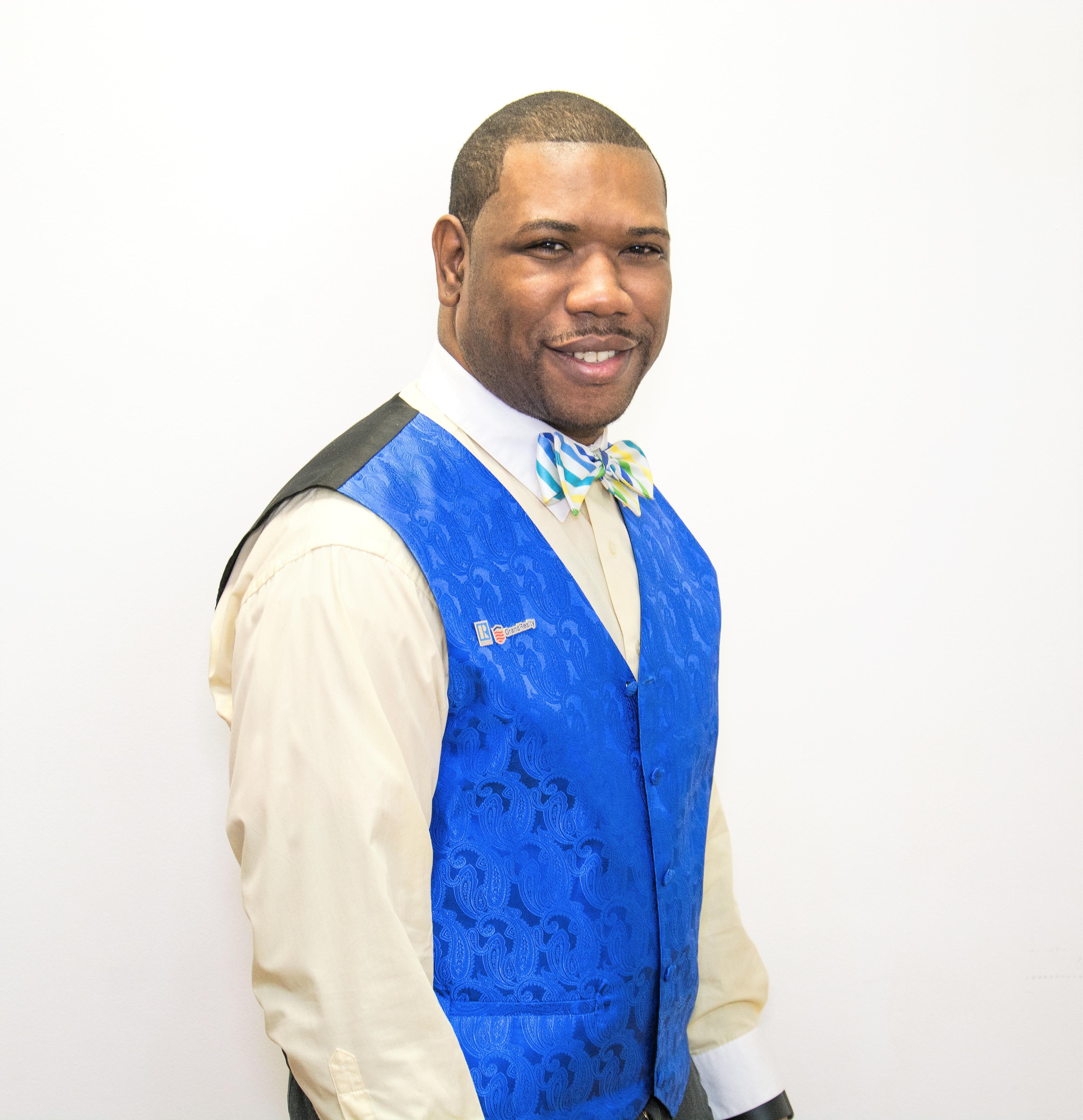 Michael Fraser, Sales Agent